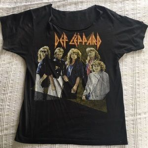 Vintage Def Leopard thin concert T-shirt from 1987